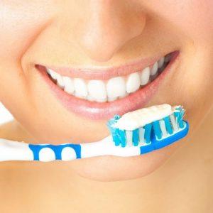 Bí quyết vệ sinh răng Implant giúp răng luôn chắc khỏe