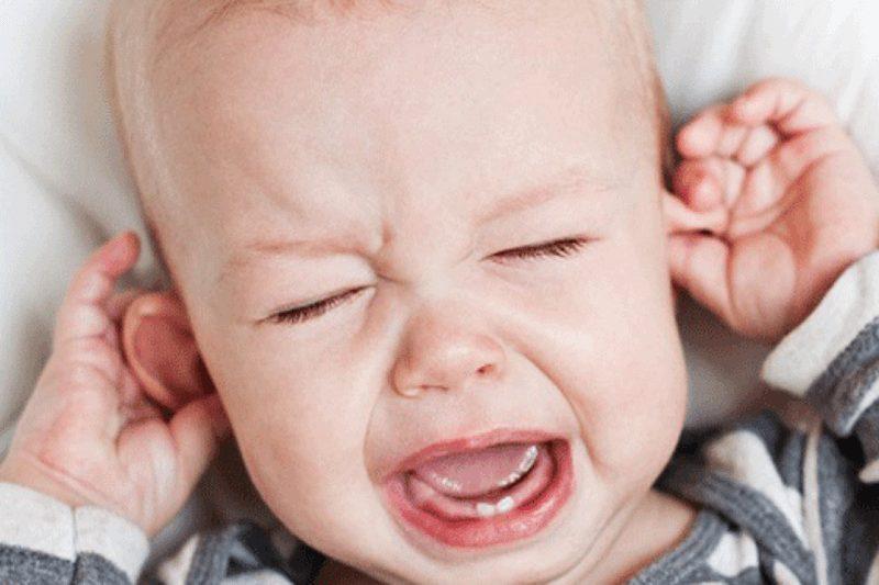 Trẻ em mọc răng nên biếng ăn? Cách chăm sóc khi trẻ biếng ăn