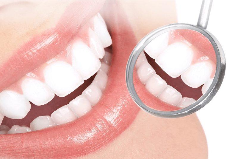Bọc răng sứ bao lâu thì có thể ăn uống bình thường được?