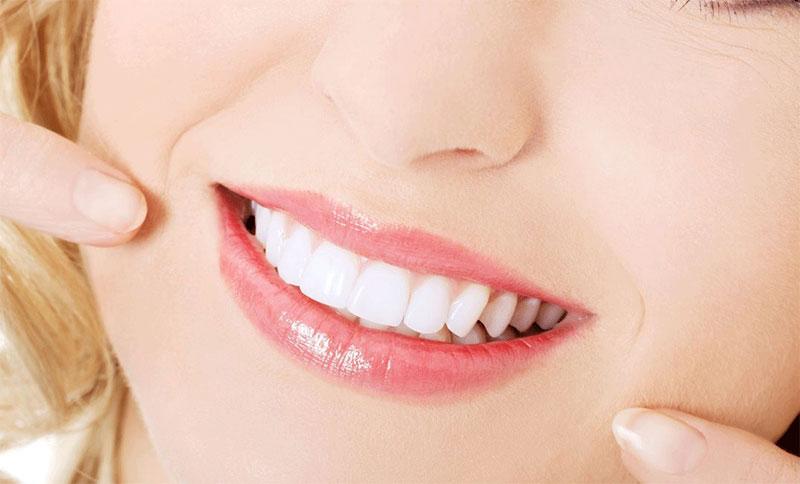 Làm răng sứ thẩm mỹ cho hàm răng trắng sáng, đều đẹp