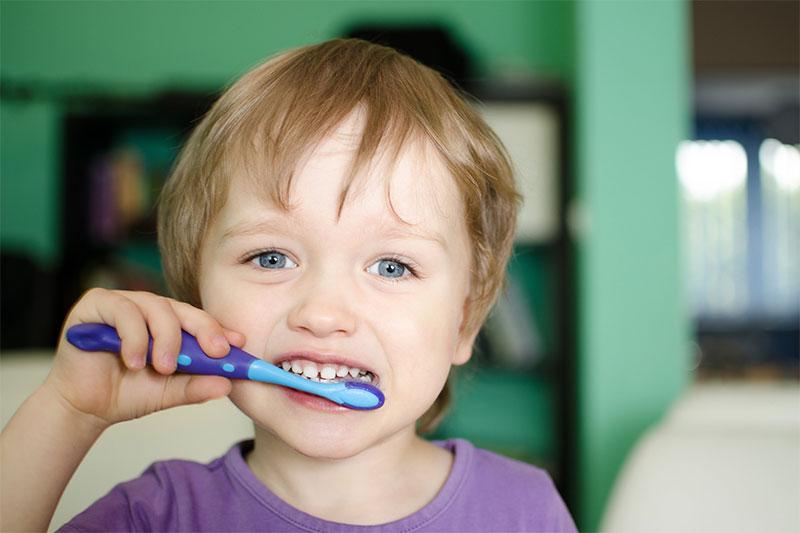 Chủ động hướng dẫn trẻ vệ sinh răng miệng đúng cách