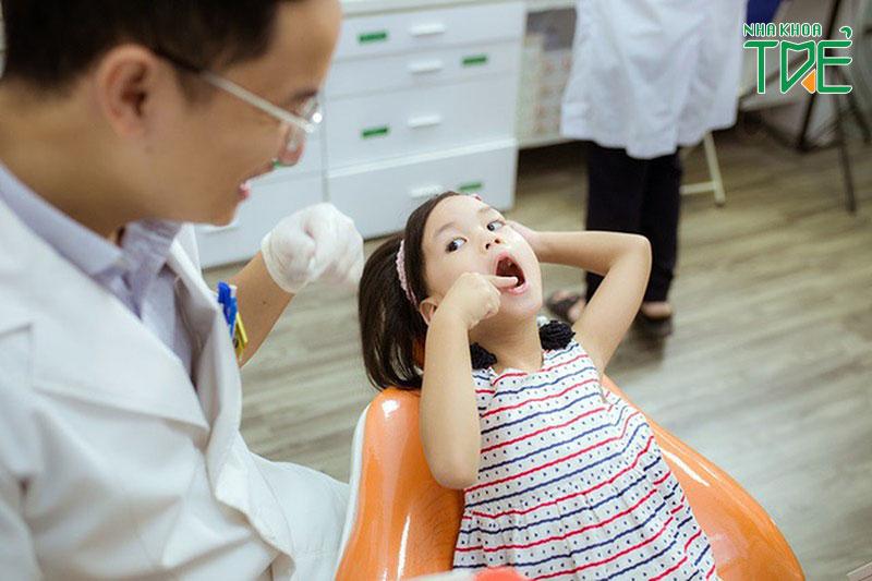 Nhổ răng sữa cho trẻ an toàn tại Nha khoa