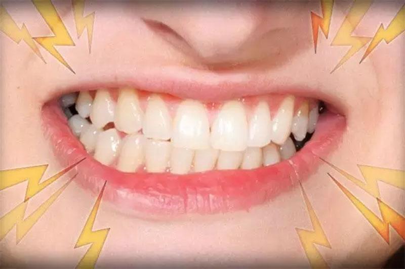 Loại bỏ những thói quen xấu để tránh làm tổn hại răng