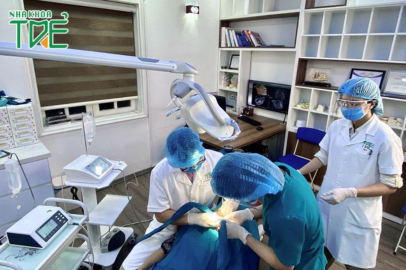 Phòng khám Implant chuyên biệt và vô trùng tuyệt đối tại Nha khoa Trẻ