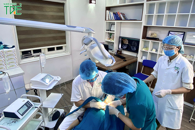 Nhổ răng khôn vô khuẩn và áp dụng công nghệ hiện đại tại Nha Khoa Trẻ