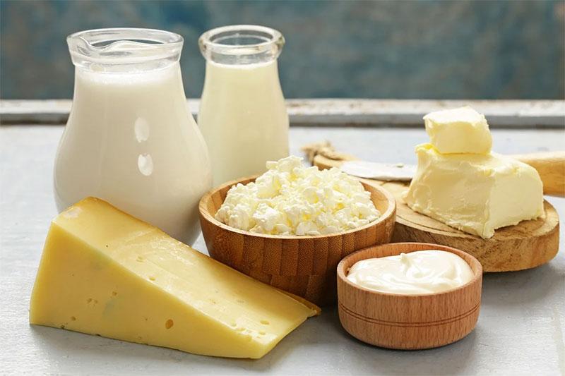 Bổ sung canxi từ các sản phẩm sữa giúp men răng của bé chắc khỏe