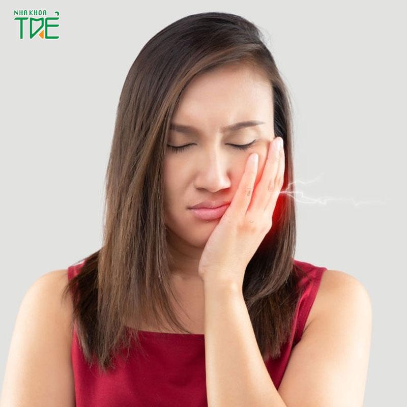 Nhổ răng khôn mọc lệch ra má hàm trên, hàm dưới giá bao nhiêu?