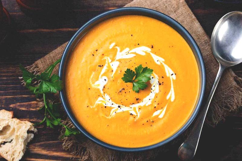 Nên ăn những thực phẩm mềm như cháo, súp để không tác động đến vết thương