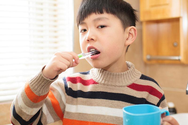 Vệ sinh răng miệng là rất cần thiết để bảo vệ răng miệng cho trẻ