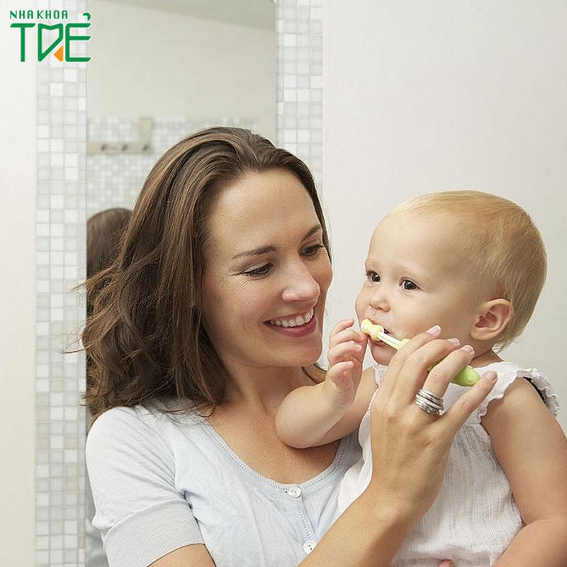 Bé 1 tuổi đã đánh răng được chưa?