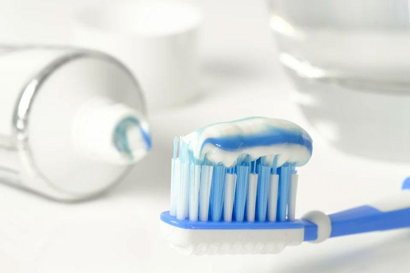 Lựa chọn loại kem đánh răng với lượng Fluor phù hợp với trẻ