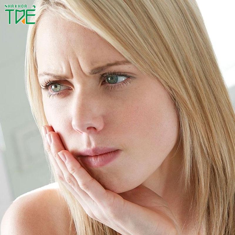 Nhổ răng khôn bị sưng mặt có nguy hiểm không?