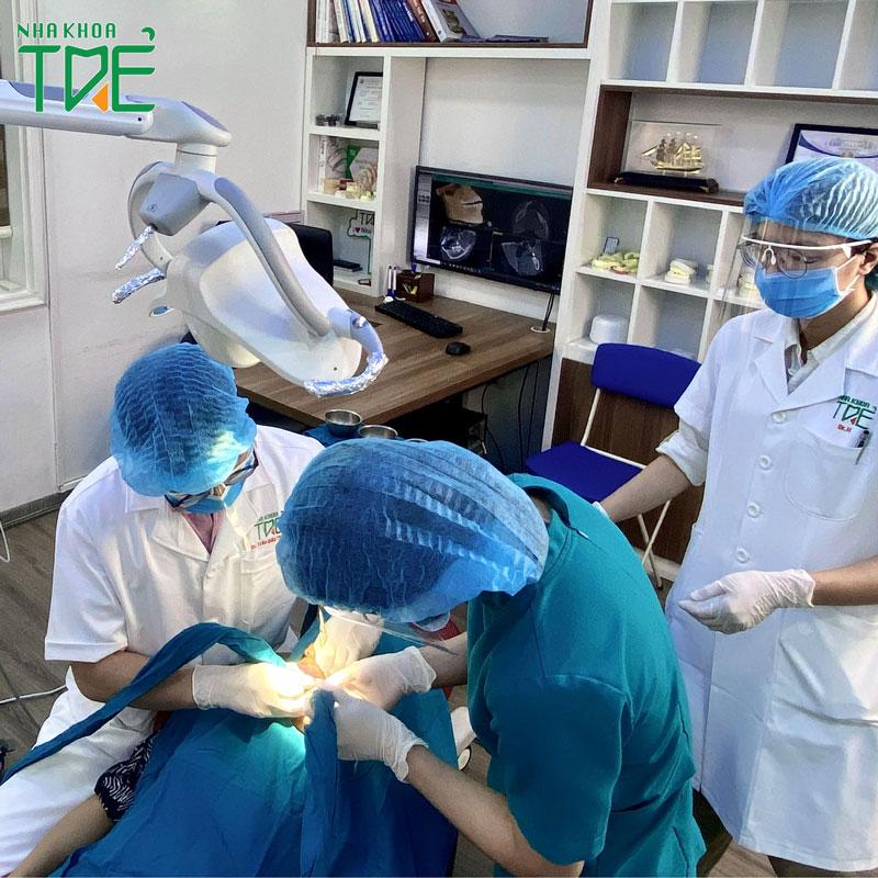Quy trình trồng răng Implant và yếu tố đánh giá quy trình đạt chuẩn, an toàn