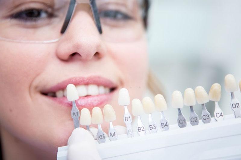 Nên bọc răng sứ sau khi lấy tủy răng để răng tồn tại được lâu hơn