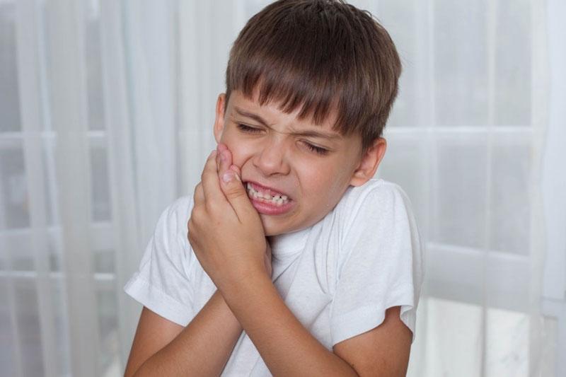 Răng lệch lạc, sai khớp cắn kéo dài sẽ dẫn đến đau nhức hàm