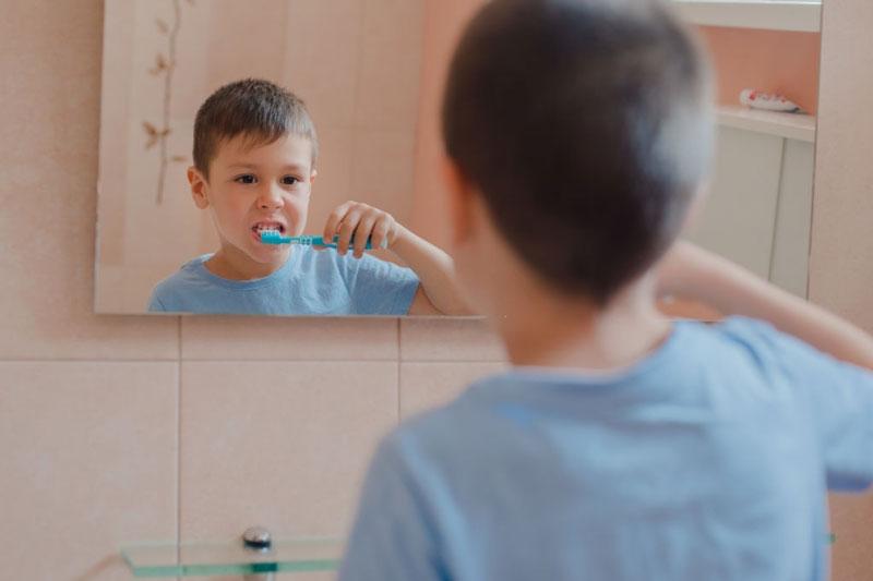 Tập cho bé thói quen vệ sinh răng miệng mỗi ngày