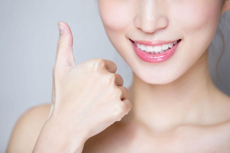 Chăm sóc răng sứ đúng cách giúp ngăn ngừa biến chứng