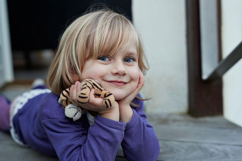 Trẻ hay chống cằm có thể làm lệch khớp cắn và răng mọc lệch