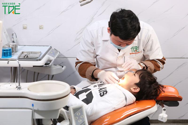 Khám răng cho bé giúp phòng ngừa các bệnh lý răng miệng