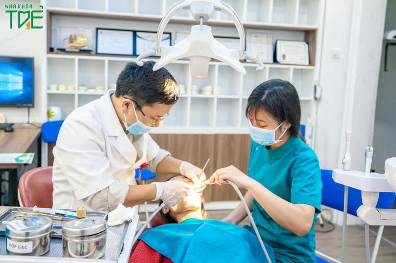 Khám răng định kỳ để bảo vệ răng bền đẹp