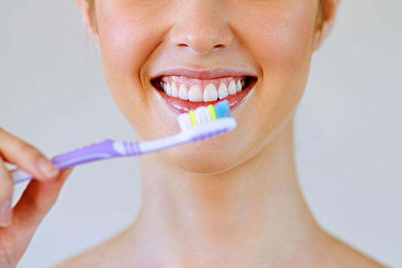 Vệ sinh răng miệng sai cách làm tăng nguy cơ sâu răng