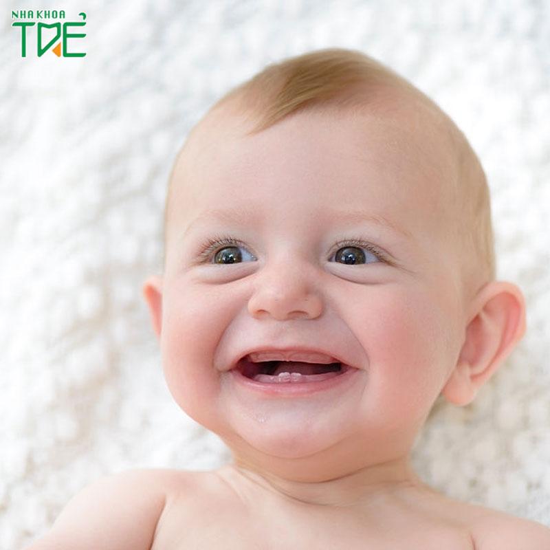 Mọc răng ở trẻ sơ sinh: Thời điểm mọc răng và dấu hiệu nhận biết