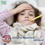 Trẻ 6 tuổi mọc răng hàm bị sốt phải làm sao?