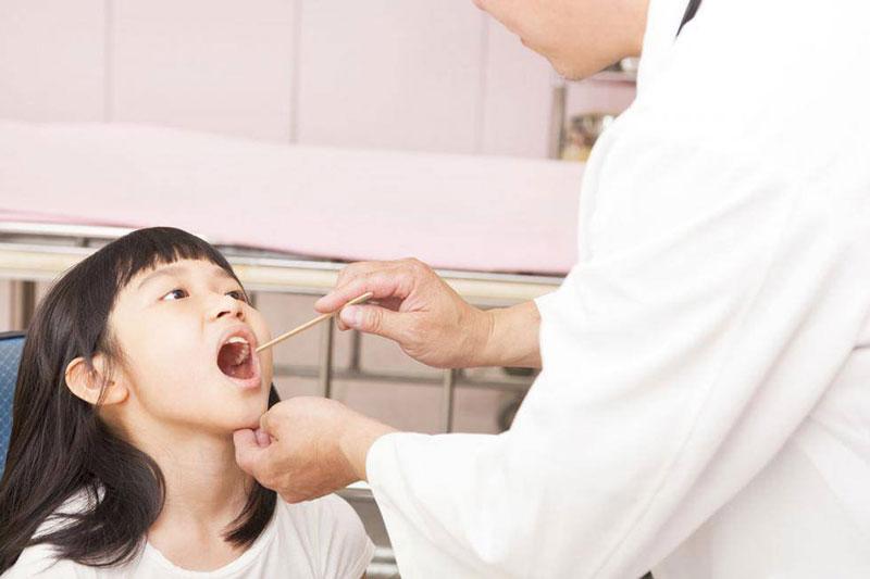 Theo dõi sát sao quá trình mọc răng ở trẻ