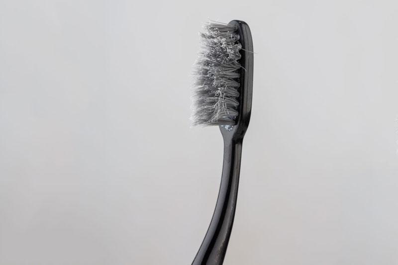 Thay bàn chải khi lông bàn chải đã bị mòn