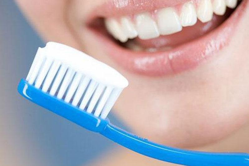 Lưu ý đến liều lượng và tần suất sử dụng baking soda khi đánh răng