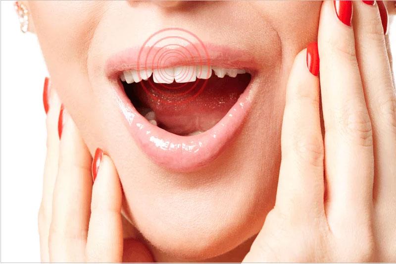Lưu ý đến các dấu hiệu ê buốt, đau nhức trên răng sau trồng răng sứ