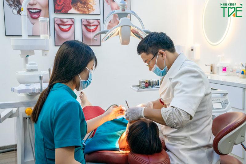 Nên mài răng tại nha khoa để đảm bảo đúng kỹ thuật