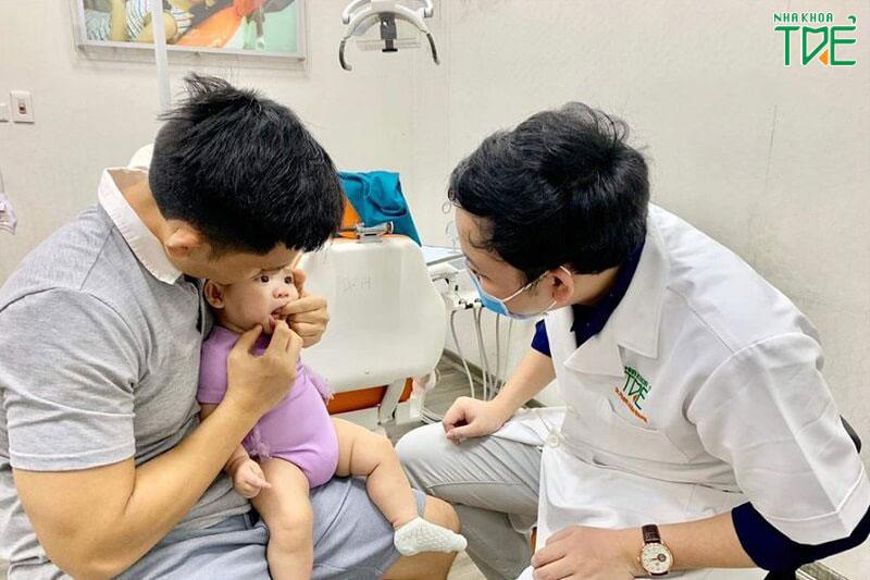 Nếu trẻ bị đi tướt nghiêm trọng hơn thì cần được thăm khám sớm