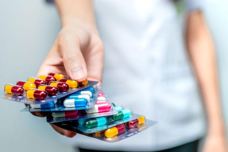 Nhóm thuốc kháng sinh giúp giảm đau, giảm sưng tấy
