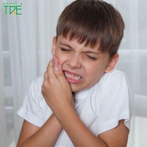 Cách xử lý tình trạng trẻ bị đau răng sưng má