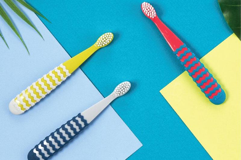 Mẹ cần lựa chọn loại bàn chải đánh răng phù hợp cho bé