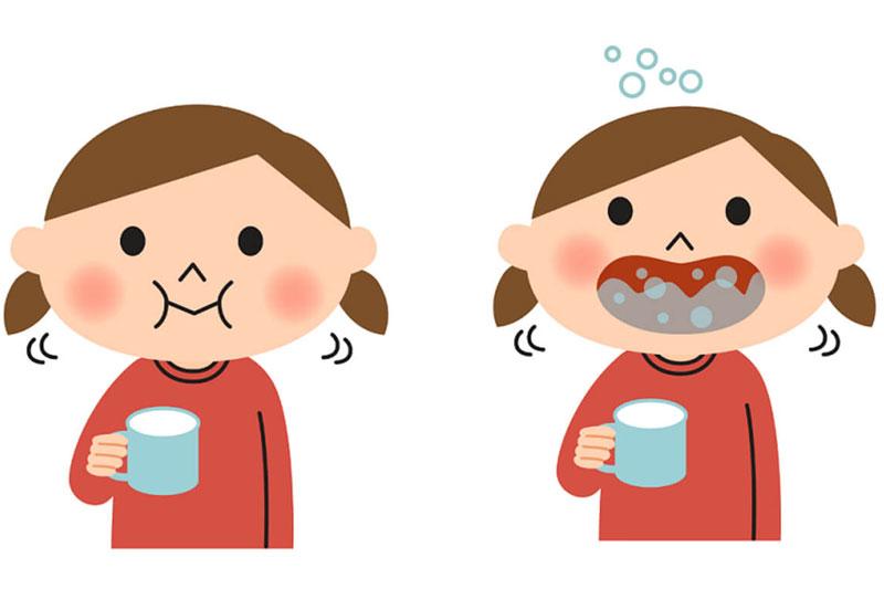 Hướng dẫn bé súc miệng sau khi chải răng