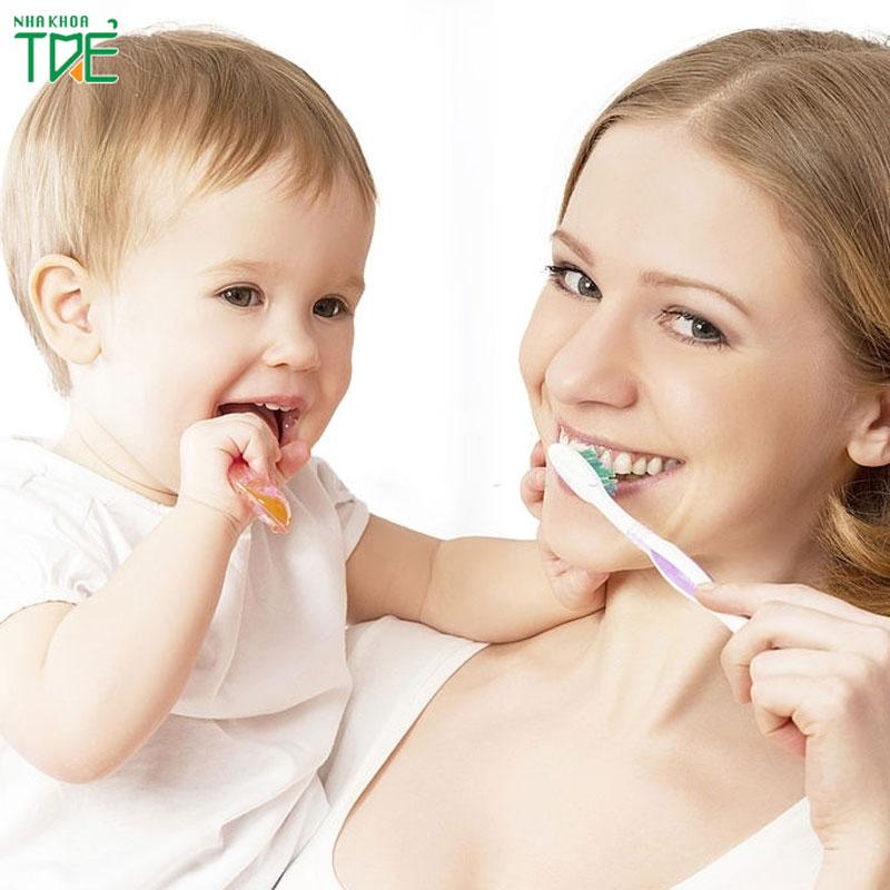 Bật mí cách chăm sóc răng miệng cho bé 2 tuổi
