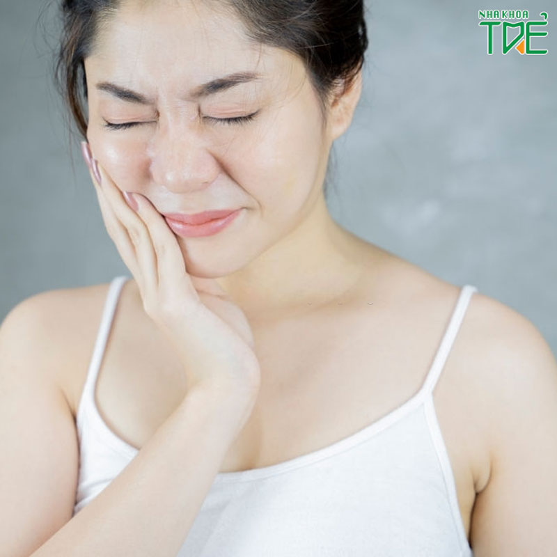 Răng ê buốt là biểu hiện của bệnh gì?