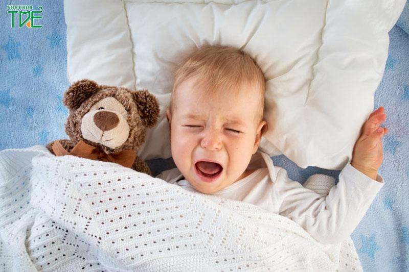 Trẻ 7 tháng chưa mọc răng: Có phải là dấu hiệu BẤT THƯỜNG?