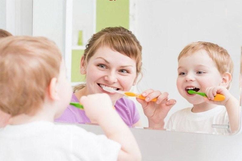 Tạo hứng thú cho trẻ đánh răng là rất cần thiết