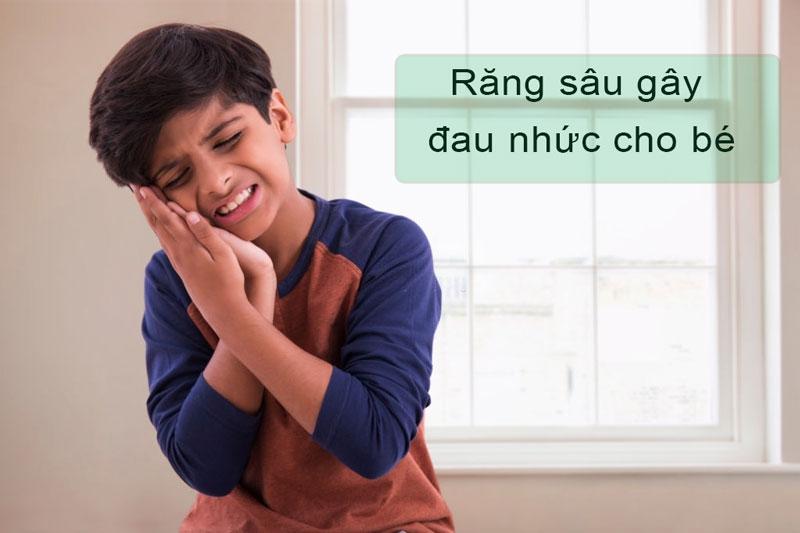 Sâu răng gây đau nhức và khiến trẻ mệt mỏi