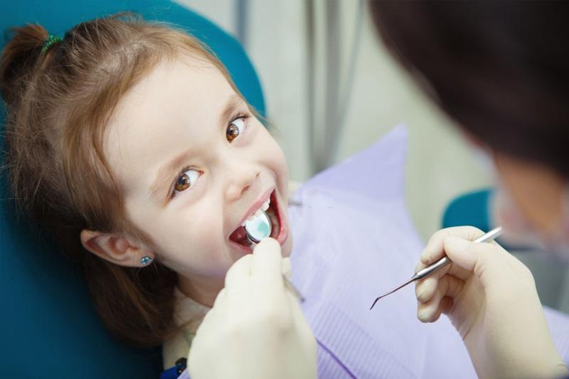 Niềng răng thưa cho trẻ cần tuân theo đúng quy trình đạt chuẩn