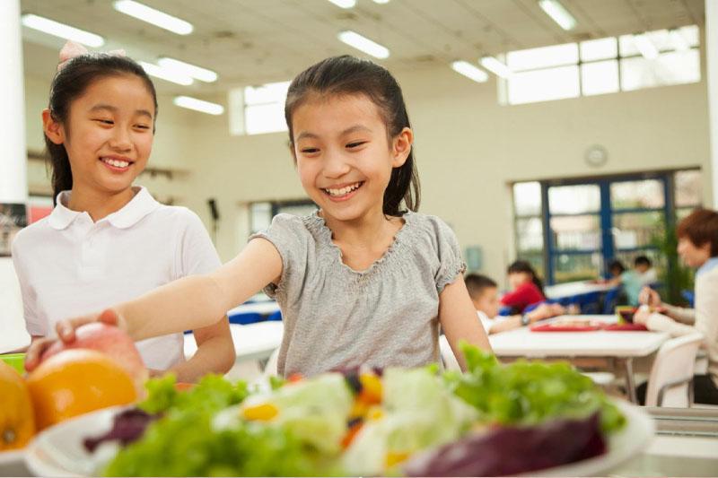 Hàm răng khỏe đẹp giúp trẻ ăn uống ngon miệng hơn