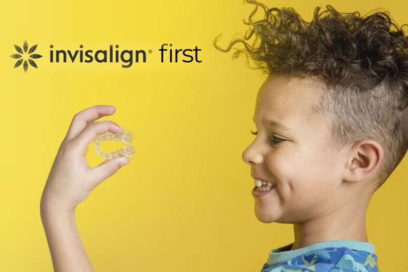 Niềng răng trong suốt Invisalign cho trẻ em