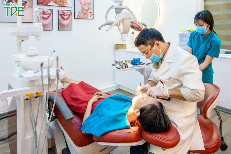 Lấy cao răng an toàn, tránh xa biến chứng tại Nha khoa Trẻ